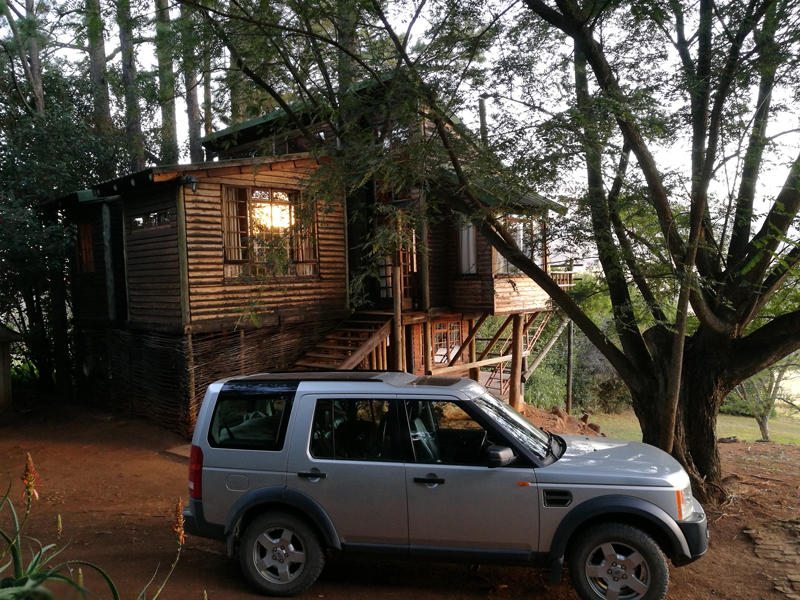 bahati-treehouse